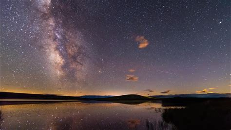 Spectacular seven month time lapse showcases the night sky