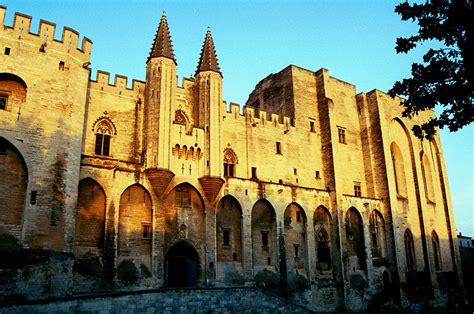 What Sister Never Knew and Father Never Told You: Cathars