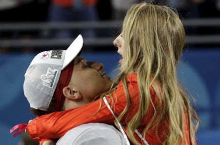 Best year ever? Chiefs' Patrick Mahomes, fiancee announce