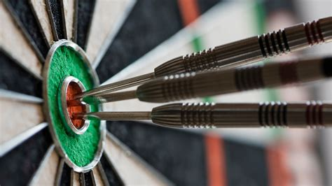How to Play Darts 501 For Beginners: Rules & Throwing Tips