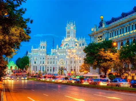Visit Madrid   Visit Madrid with your group · Travelling
