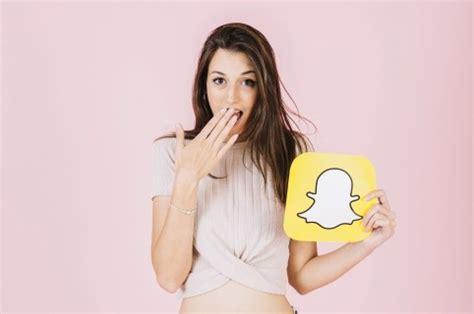 How to Delete Saved Chats in Snapchat